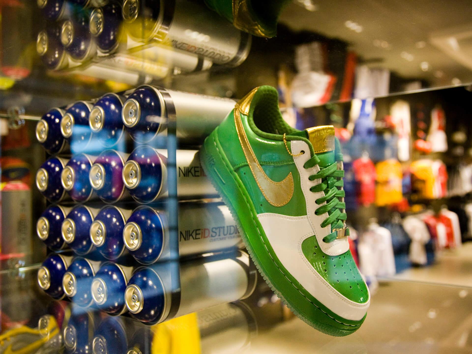 Nike ID Nike Town London 1920px 06